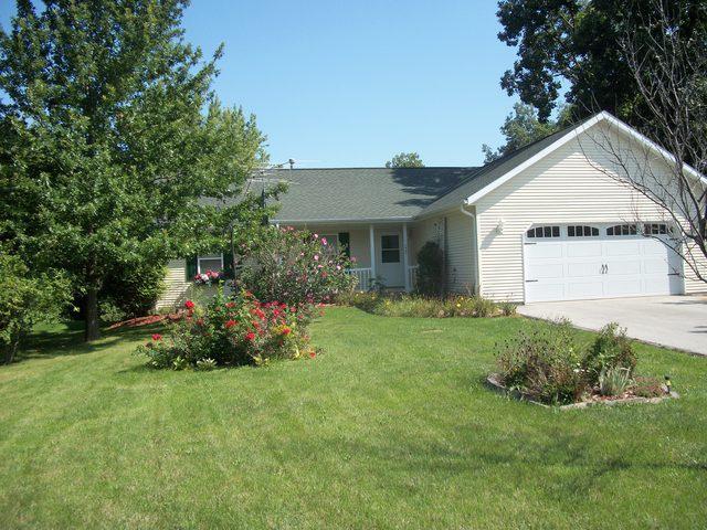 112 Cayuga Lane, Loda, IL 60948 (MLS #10068899) :: Ryan Dallas Real Estate