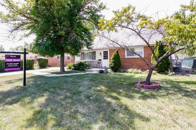 9106 Pembroke Lane, Bridgeview, IL 60455 (MLS #10069752) :: The Dena Furlow Team - Keller Williams Realty