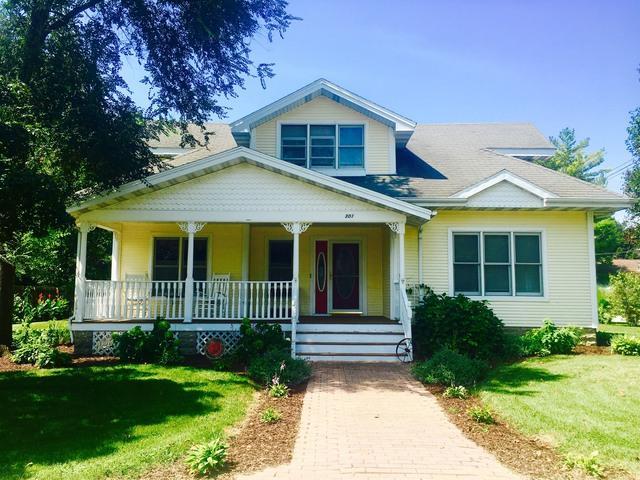 301 S 2nd Street, Cissna Park, IL 60924 (MLS #10069803) :: Baz Realty Network | Keller Williams Preferred Realty