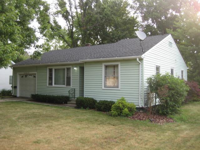 110 S Jackson Street, Gardner, IL 60424 (MLS #10069869) :: Lewke Partners