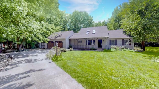 1705 Lake Shore Drive, Mahomet, IL 61853 (MLS #10070704) :: Ryan Dallas Real Estate