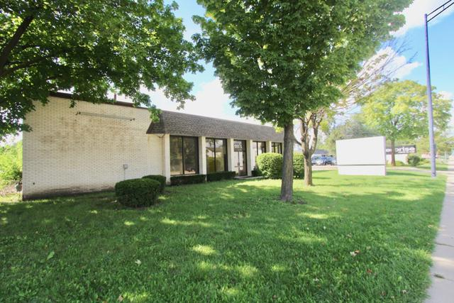 1000 Roselle Road - Photo 1