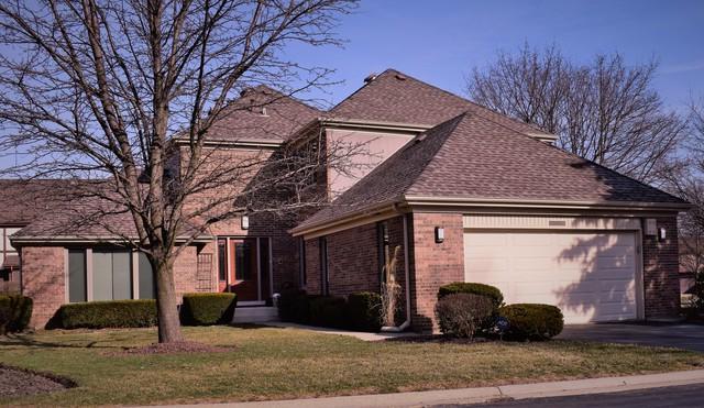 2651 E Yarmouth Court, Arlington Heights, IL 60004 (MLS #10072115) :: Lewke Partners