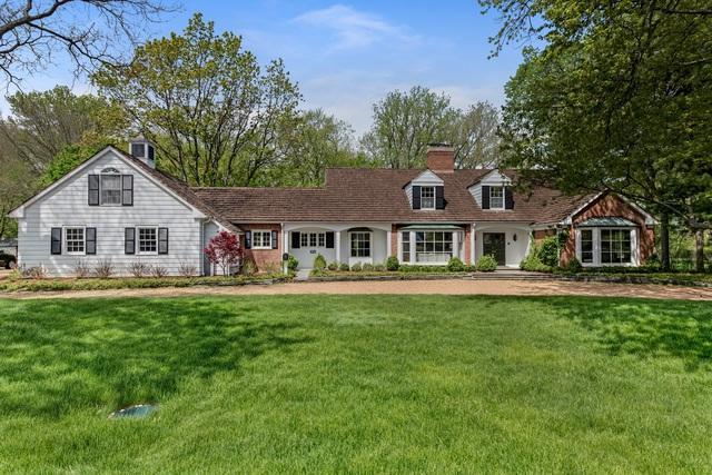 32 Meadowview Drive, Northfield, IL 60093 (MLS #10075241) :: Helen Oliveri Real Estate