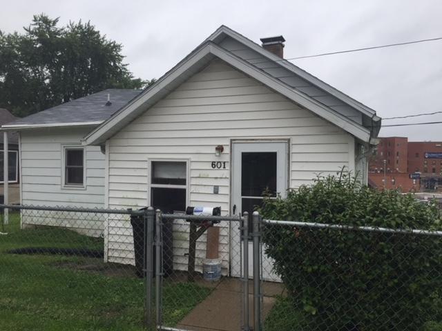601 E 3rd Street, Spring Valley, IL 61362 (MLS #10076578) :: Lewke Partners