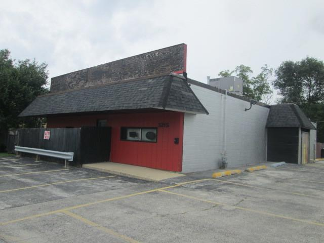 3215 Union Avenue, Steger, IL 60475 (MLS #10076713) :: Lewke Partners
