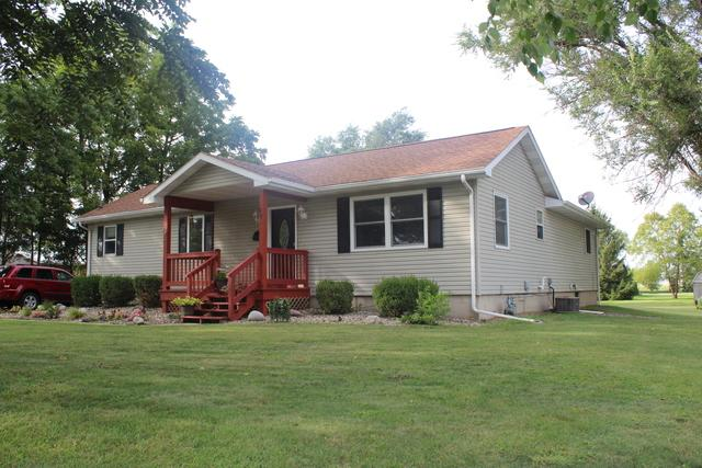 247 W Oak Street, Paxton, IL 60957 (MLS #10077808) :: Ryan Dallas Real Estate
