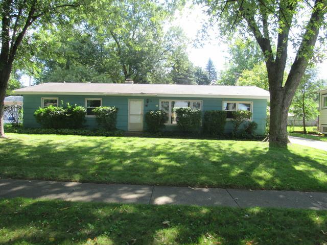 15 Woodridge Road, Montgomery, IL 60538 (MLS #10077850) :: The Saladino Sells Team