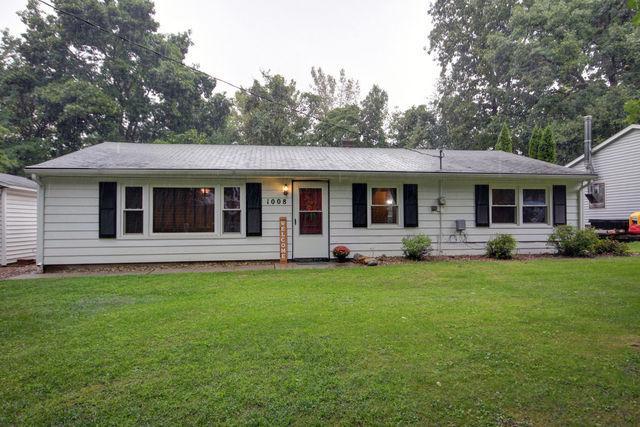 1008 E Timber Drive, Mahomet, IL 61853 (MLS #10077937) :: Ryan Dallas Real Estate
