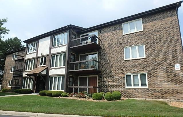 4916 Circle Court #111, Crestwood, IL 60418 (MLS #10078680) :: Lewke Partners