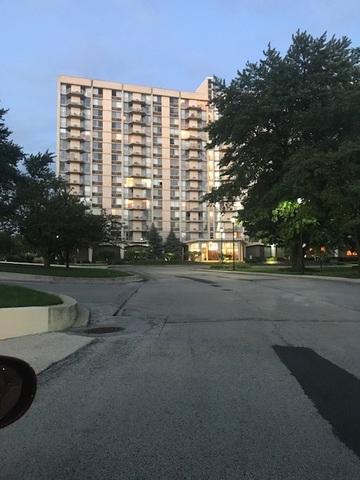 40 N Tower Road 3E, Oak Brook, IL 60523 (MLS #10079642) :: The Saladino Sells Team