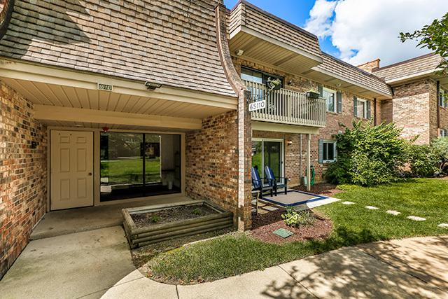 6S110 Park Meadow Drive 9C, Naperville, IL 60540 (MLS #10081677) :: The Saladino Sells Team
