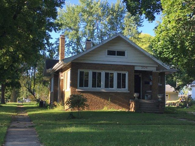 304 W Orleans Street, Paxton, IL 60957 (MLS #10082178) :: Ryan Dallas Real Estate