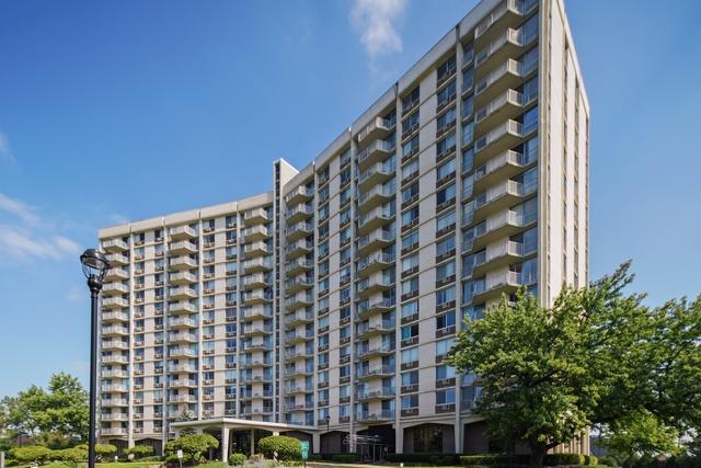 40 N Tower Road 16K, Oak Brook, IL 60523 (MLS #10083056) :: The Saladino Sells Team