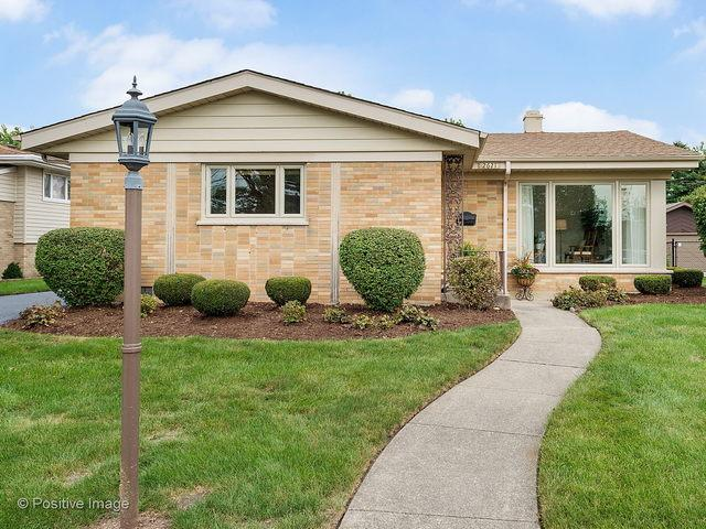 2621 Mayfair Avenue, Westchester, IL 60154 (MLS #10084219) :: The Jacobs Group