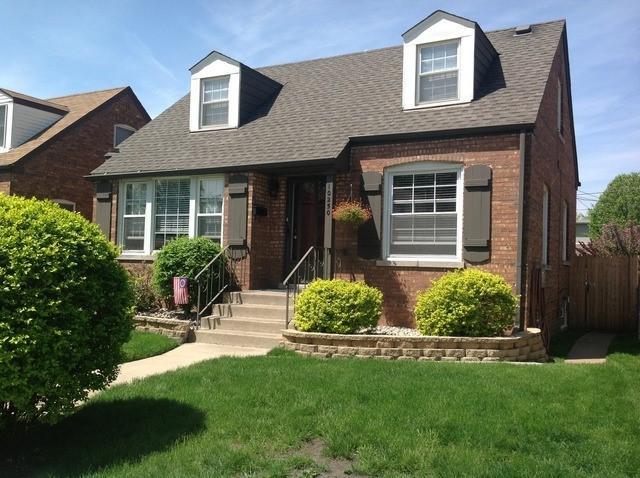 10250 S Turner Avenue, Evergreen Park, IL 60805 (MLS #10084593) :: Lewke Partners