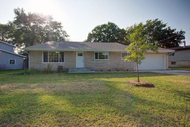 14 Hancock Drive, VILLA GROVE, IL 61956 (MLS #10084597) :: Ryan Dallas Real Estate