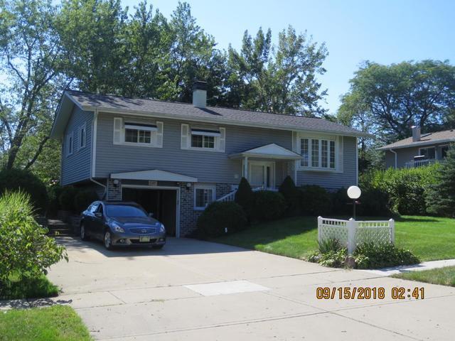 585 Edgemont Lane, Hoffman Estates, IL 60169 (MLS #10084772) :: Lewke Partners