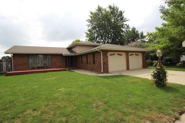 1704 Lyndhurst Drive, Savoy, IL 61874 (MLS #10084774) :: Littlefield Group