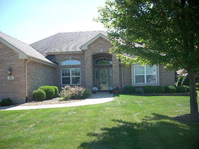 818 Westgate Drive, Peotone, IL 60468 (MLS #10085087) :: Lewke Partners