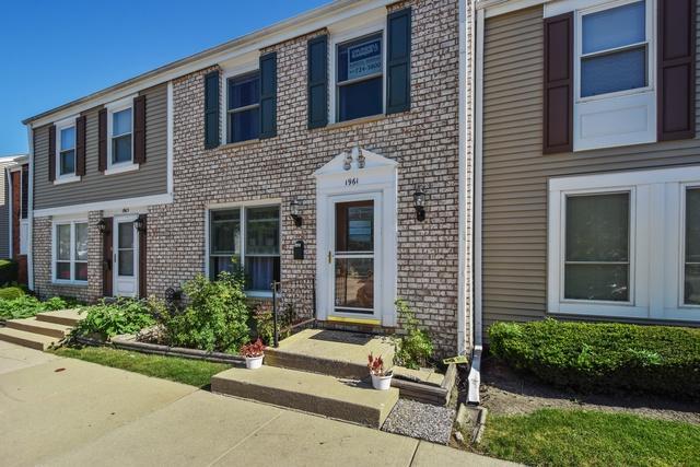 1961 Cheltenham Place, Hoffman Estates, IL 60169 (MLS #10085923) :: Lewke Partners