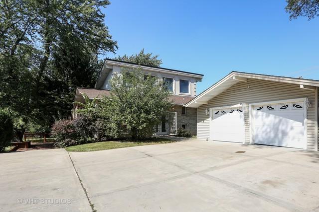 1600 S Meyers Road, Lombard, IL 60148 (MLS #10086057) :: Lewke Partners