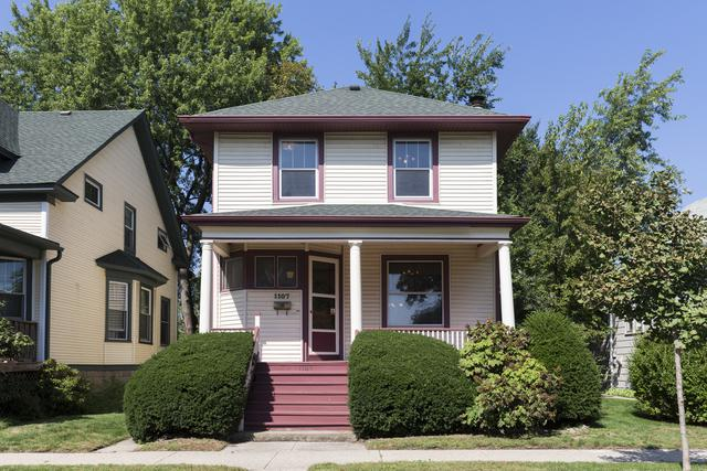 1107 Oakton Street, Evanston, IL 60202 (MLS #10086472) :: Lewke Partners