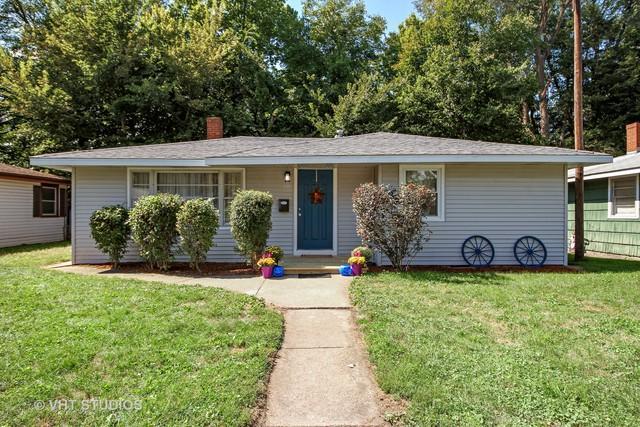 323 S Euclid Avenue, Bradley, IL 60915 (MLS #10086694) :: The Dena Furlow Team - Keller Williams Realty