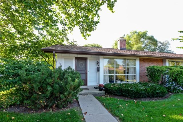 301 Crestwood Village Street #301, Northfield, IL 60093 (MLS #10086796) :: Helen Oliveri Real Estate