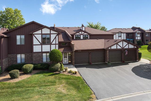 9749 W Creek Road E2, Palos Park, IL 60464 (MLS #10086892) :: The Saladino Sells Team