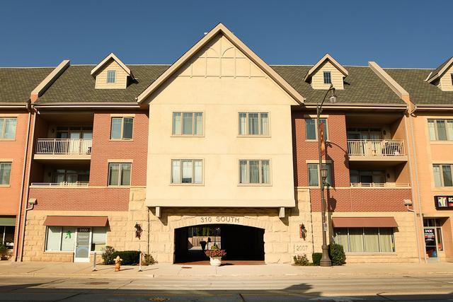 310 S Main Street #212, Lombard, IL 60148 (MLS #10087486) :: Lewke Partners