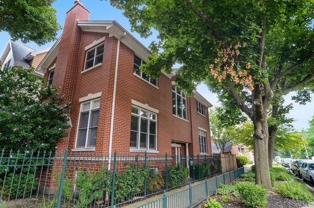 1800 W Melrose Street, Chicago, IL 60657 (MLS #10087930) :: Leigh Marcus   @properties