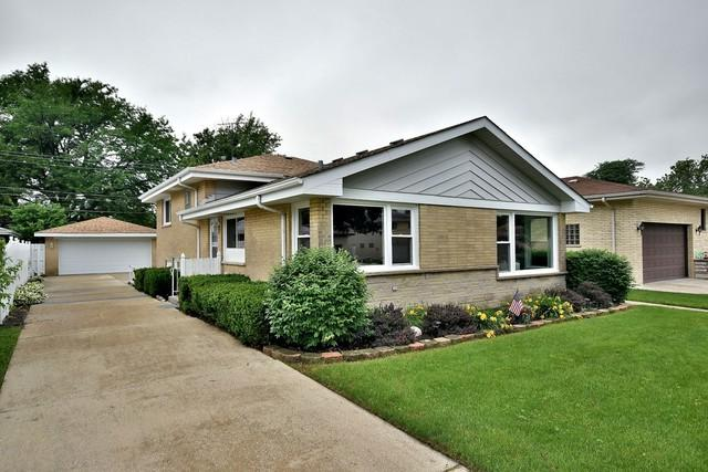 2832 Buckingham Avenue, Westchester, IL 60154 (MLS #10088019) :: The Jacobs Group
