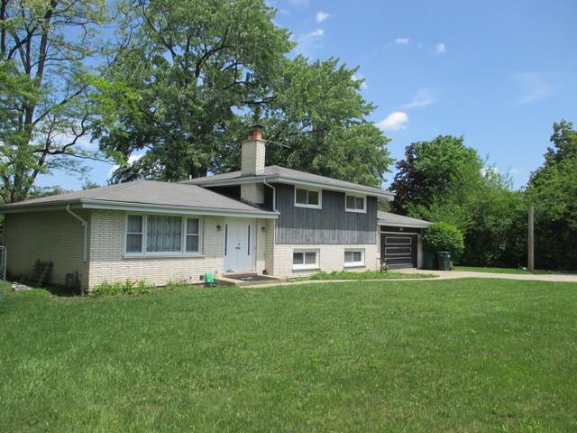 2960 Keystone Road, Northbrook, IL 60062 (MLS #10088045) :: Helen Oliveri Real Estate