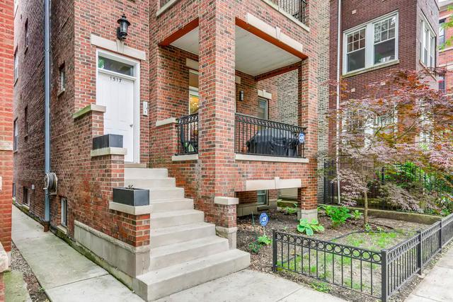 1517 W Ardmore Avenue #1, Chicago, IL 60660 (MLS #10088138) :: Lewke Partners
