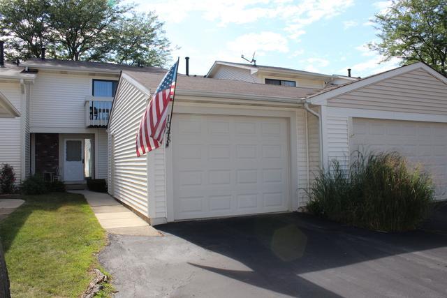 1048 Cumberland Court #1048, Vernon Hills, IL 60061 (MLS #10088259) :: Helen Oliveri Real Estate