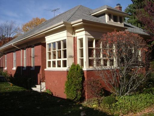 558 Lathrop Avenue, River Forest, IL 60305 (MLS #10088357) :: Lewke Partners