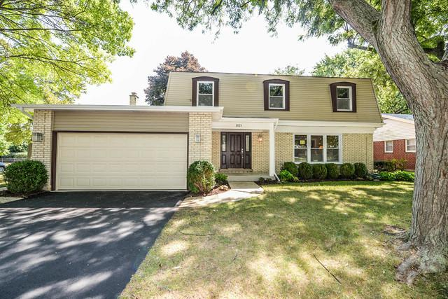 1021 White Mountain Drive, Northbrook, IL 60062 (MLS #10088433) :: Helen Oliveri Real Estate