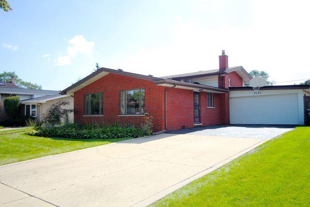 7851 Lake Street, Morton Grove, IL 60053 (MLS #10088507) :: Helen Oliveri Real Estate