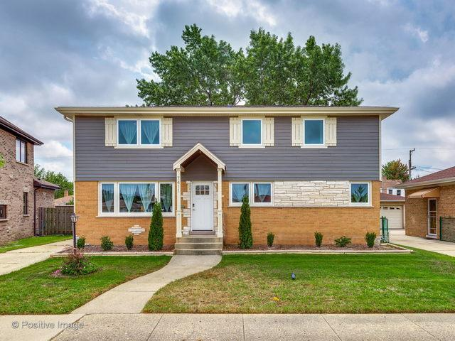7411 W Mulford Street, Niles, IL 60714 (MLS #10088620) :: Helen Oliveri Real Estate