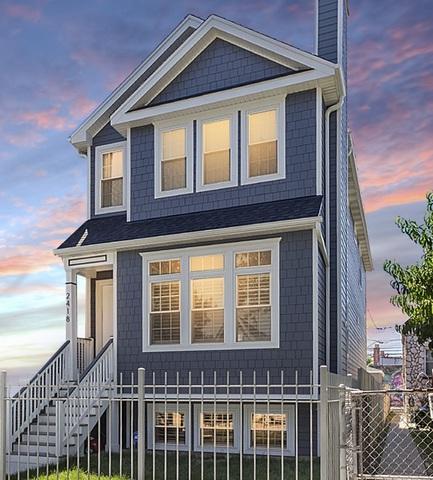 1932 N Ridgeway Avenue, Chicago, IL 60647 (MLS #10088638) :: Leigh Marcus | @properties