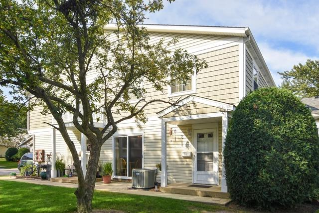 1320 Exeter Court #1320, Wheeling, IL 60090 (MLS #10088888) :: Helen Oliveri Real Estate