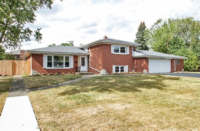 3237 Ronald Road, Glenview, IL 60025 (MLS #10088920) :: Helen Oliveri Real Estate