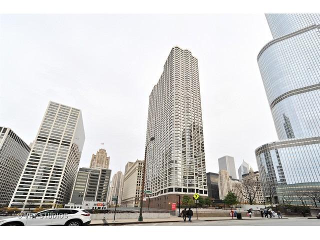 405 N Wabash Avenue #3804, Chicago, IL 60611 (MLS #10089118) :: Leigh Marcus | @properties