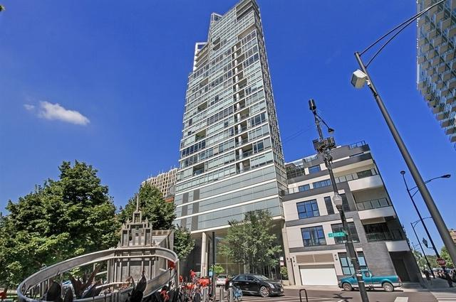 510 W Erie Street #1701, Chicago, IL 60654 (MLS #10089198) :: Leigh Marcus | @properties