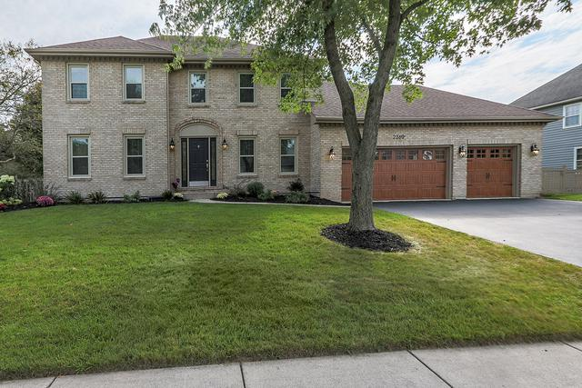 2260 River Woods Drive, Naperville, IL 60565 (MLS #10089212) :: The Jacobs Group