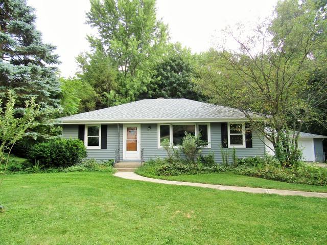 7 Sunset Lane, Algonquin, IL 60102 (MLS #10089577) :: Lewke Partners