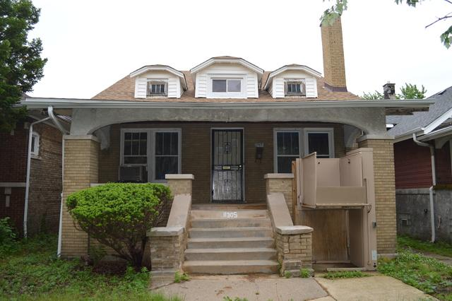 11305 S Lowe Avenue, Chicago, IL 60628 (MLS #10089749) :: The Saladino Sells Team