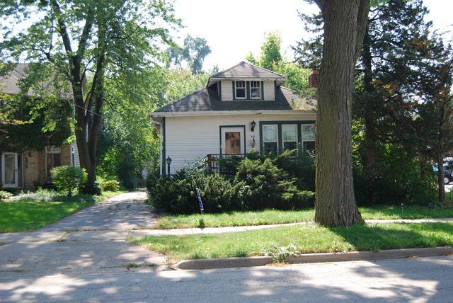 272 Eggleston Avenue, Elmhurst, IL 60126 (MLS #10089803) :: The Saladino Sells Team