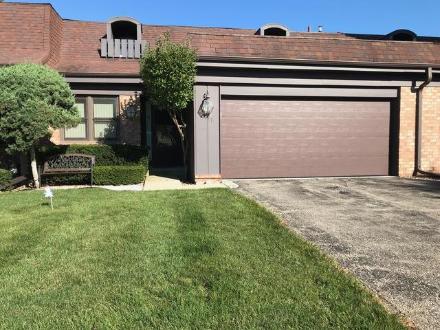 2755 Wilshire Lane #2755, Northbrook, IL 60062 (MLS #10089863) :: Helen Oliveri Real Estate